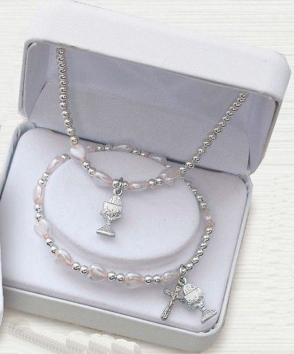 First Communion Bracelet and Necklace Set silver, necklace, first communion necklace, necklace, sacramental gift, crucifix necklace, jewelry, special occasion, Mm2590
