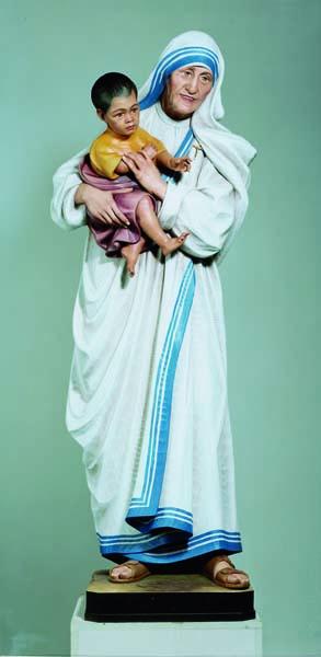 Mother Teresa of Calcutta Standing Statue