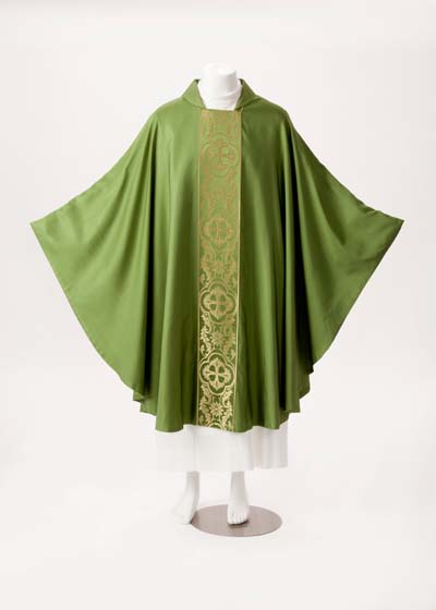 17 Galoon Chasuble 17 Galon, 17 Galón, chasuble, vestment, sorgente, manantial, robe, white, red, green, red, catholic chasuble, sorgento